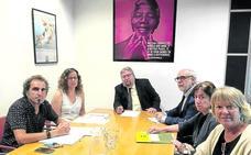Los sindicatos exigen que médicos de fuera de Euskadi controlen las OPE de Osakidetza