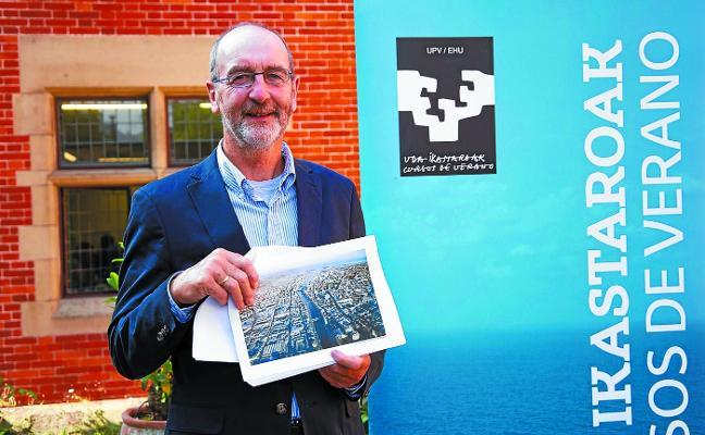 Dick Gleeson: «Logramos crear 20.000 empleos con la regeneración del puerto de Dublín»