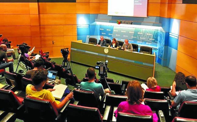 Urkullu mueve ficha para reactivar el diálogo social y sumar a los sindicatos al pacto de empleo
