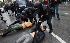 Se elevan a diez los policías nacionales imputados por las cargas del referéndum del 1-O