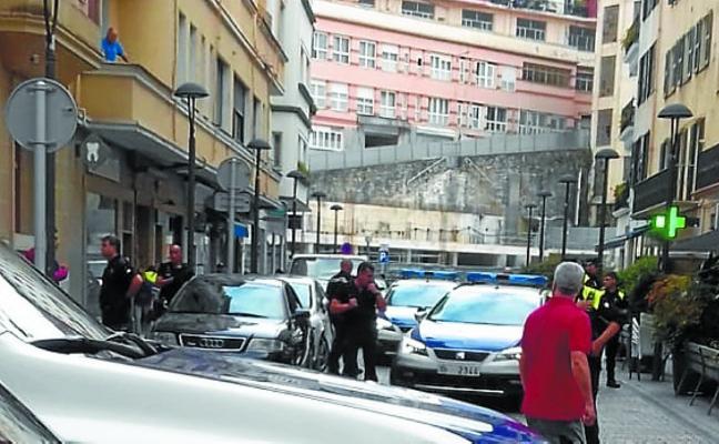 Espectacular persecución callejera de la Ertzaintza para detener a un delincuente