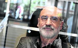 Fernando Aramburu: «Gente de la izquierda abertzale me ha dicho en privado que le ha gustado 'Patria'»