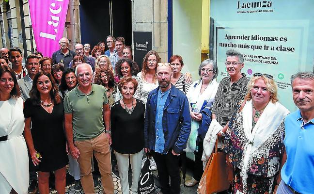 Lacunza reinaugura el centro Moraza