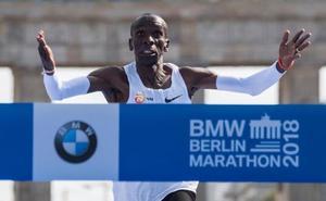 El 'cum laude' se lo gana el keniano Kipchoge en el maratón de Berlín