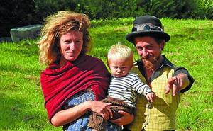 Una familia que ansía «volver a lo simple»