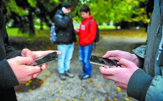 Alertan del aumento del 'sexting' entre jóvenes, grabación y difusión de vídeos pornográficos