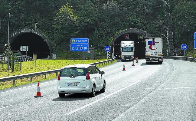 El túnel de Belabieta de la A-15 estará cerrado varias semanas por un derrumbe