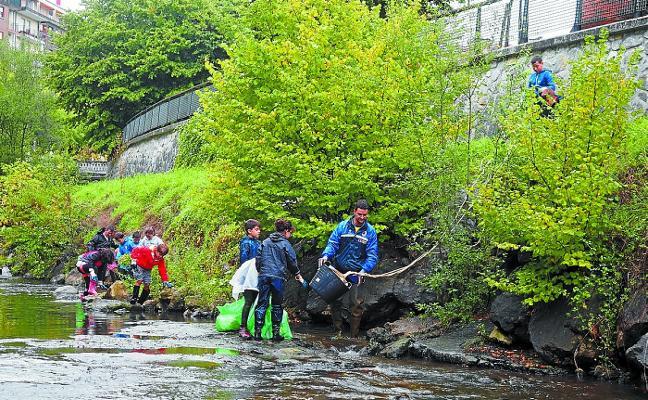 Erreka Eguna 2018 invita a limpiar el río Urola el próximo día 29