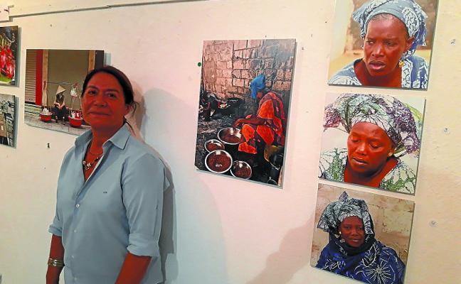 Silvia Martín plasma en su muestra sus viajes a lo largo de todo el mundo