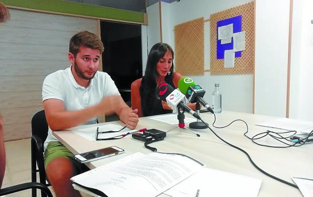 David Soto y Miren Echeveste, portavoz y secretaria general de SPI, respectivamente. / F. DE LA HERA
