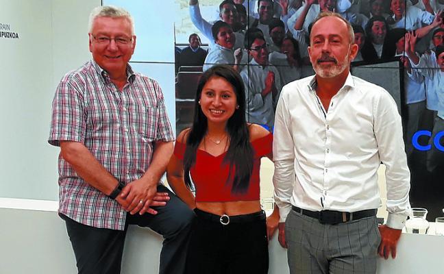 La escuela de hostelería Aiala estrecha lazos con Perú