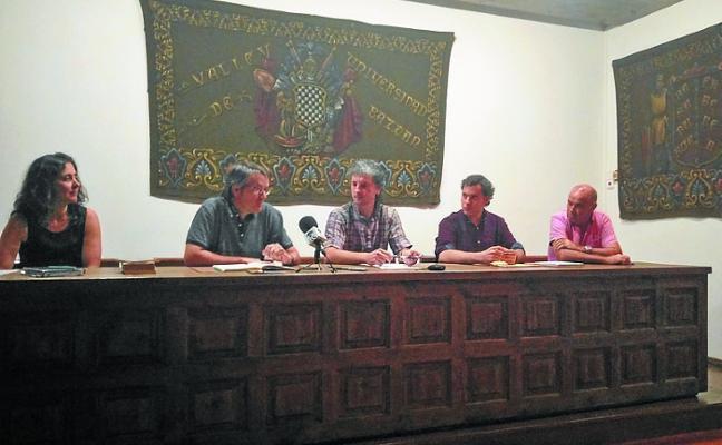 Josu Barambones logra la beca (H)ilbeltza del ayuntamiento de Baztan y Txalaparta