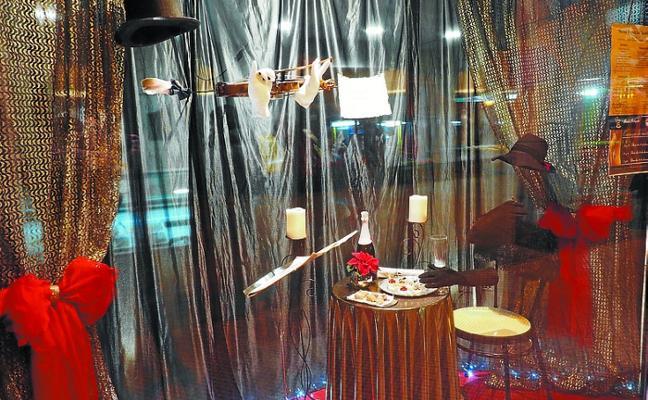 Proponen a los comerciantes talleres de escaparatismo con temática navideña