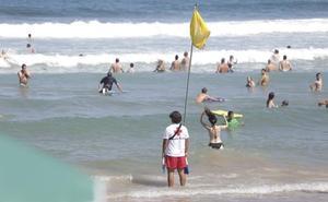 Cruz Roja ha rescatado este verano a 258 personas en las playas guipuzcoanas
