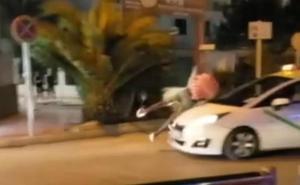 Un turista drogado se lanza contra un coche en marcha en Ibiza