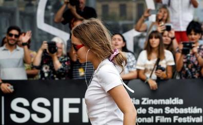 Muchas estrellas y una rosa: la hija de Johnny Depp y Vanessa Paradis