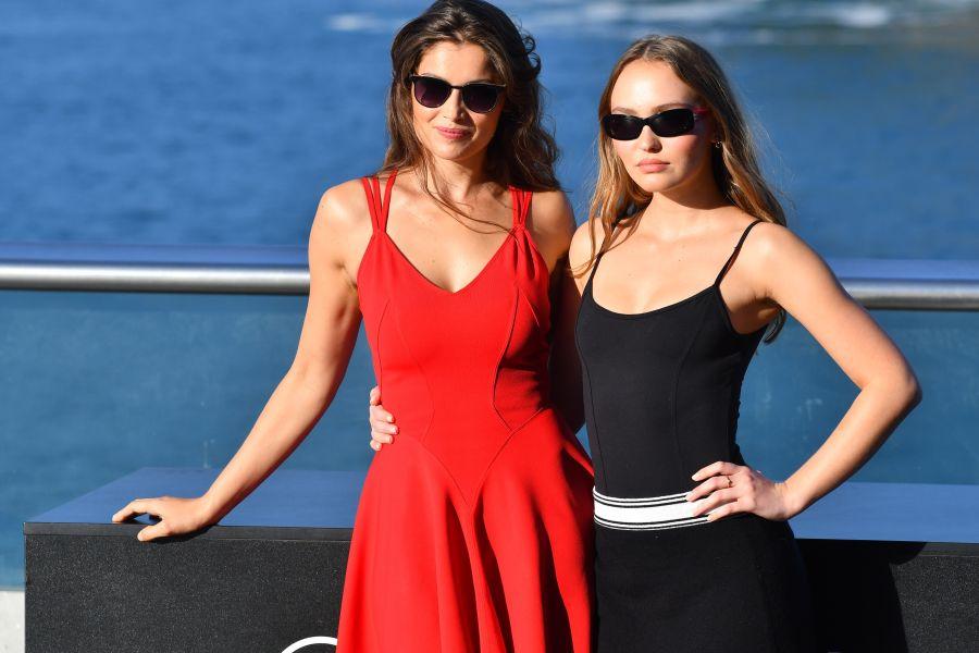 Enredo amoroso a la francesa con Laetitia Casta y Lily-Rose Depp