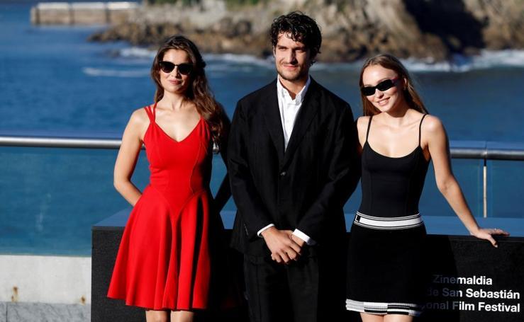Laetitia Casta y Lily-Rose Melody Depp presentan «L'Homme Fidèle»
