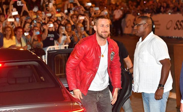 Ryan Gosling arrasa en su llegada al Zinemaldia