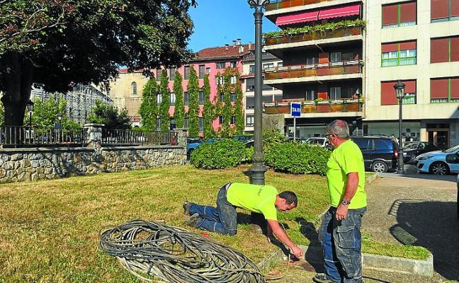 La reforma de todas las instalaciones eléctricas del municipio, en marcha