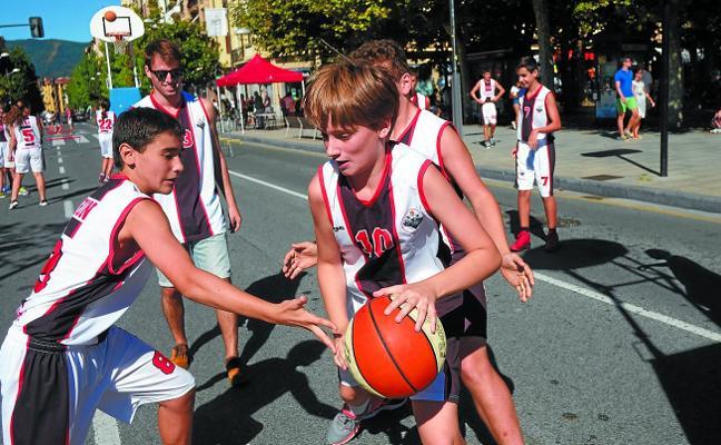 Jornada deportiva sobre el asfalto