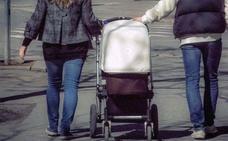 Los nacimientos en Gipuzkoa caen casi el 6% en el primer trimestre del año