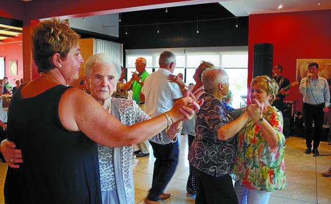 Los jubilados y pensionistas, a tope en su día