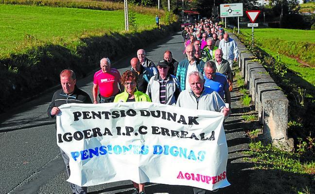 Los jubilados recorren Gipuzkoa por sus derechos