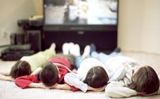 Más de dos horas de pantalla al día perjudica el desarrollo cognitivo de los niños