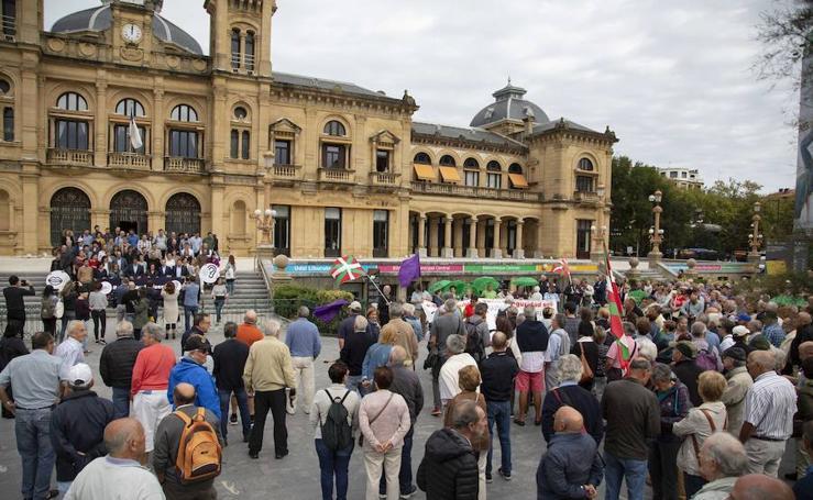 Los pensionistas guipuzcoanos salen un lunes más a la calle