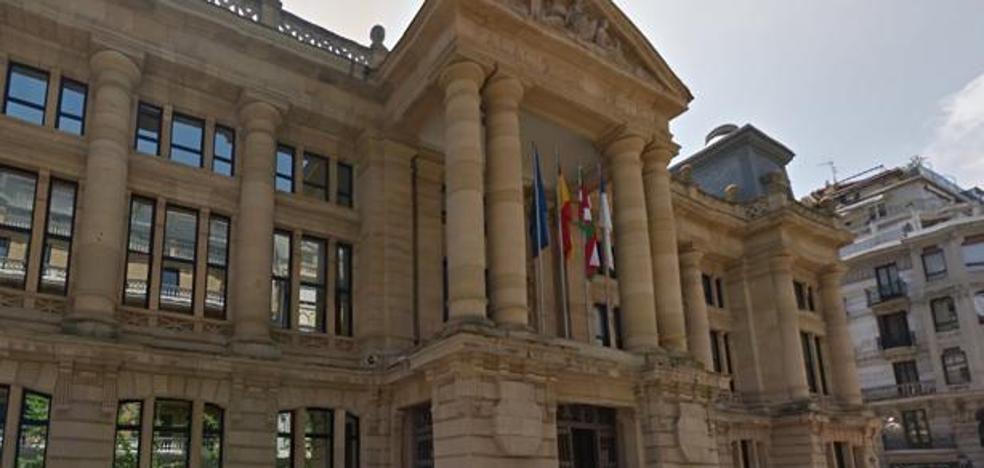 La Fiscalía de Gipuzkoa pide 5 años para un hombre acusado de estafar 7.000 euros a una discapacitada