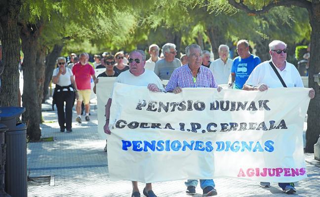 Los pensionistas guipuzcoanos traen su reivindicación a Donostia