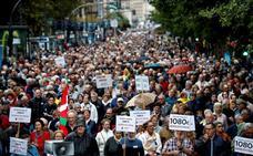 Los pensionistas desafían al mal tiempo y toman las calles de Donostia