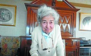 Germaine Bringeon Elizabide : «Zarautz tuvo mucha categoría turística en el siglo XX; al hotel venían importantes clientes»