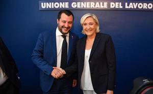 Salvini y Le Pen preparan su «revolución» euroescéptica y ultraderechista