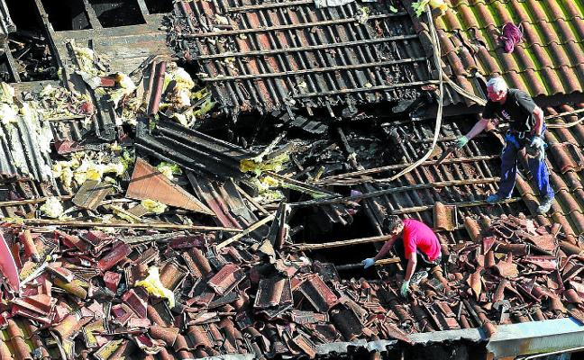 Pena de 5 años por incendiar un piso en Donostia por desavenencias con la dueña