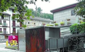 El Ayuntamiento quiere que el urinario público entre en servicio la próxima semana