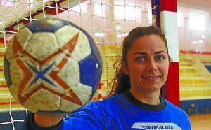 Alba Menéndez: «Si queremos seguir arriba hay que ganar a Rocasa sí o sí»