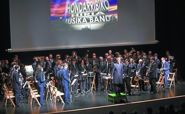 La Banda de Música se suma al aniversario de la txaranga Abiyuan