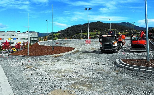 El nuevo parking del hospital estará finalizado a «últimos de noviembre»