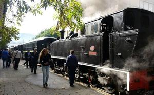 Bost tren historiko larunbatean museoaren 24. urtebetetzea ospatzeko