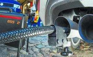 Los concesionarios alertan del aumento de las emisiones por el cambio a la gasolina