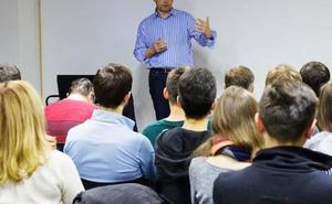 Alumnos de ocho centros vascos estudiarán a partir de abril la historia de ETA
