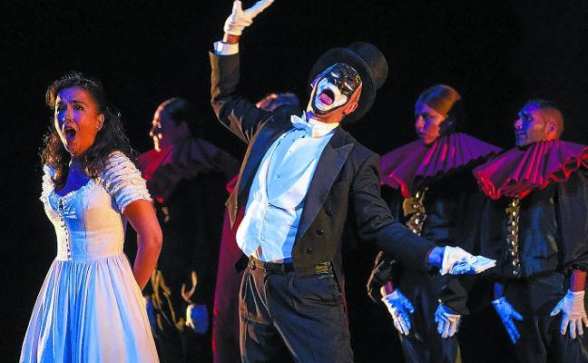 Deniegan la autorización a la ópera «a menos de dos meses» de la zarzuela