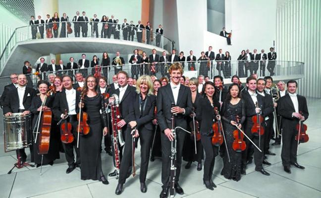 Luxenburgoko Orkestra Filarmonikoaren emanaldira joateko autobusa izango da