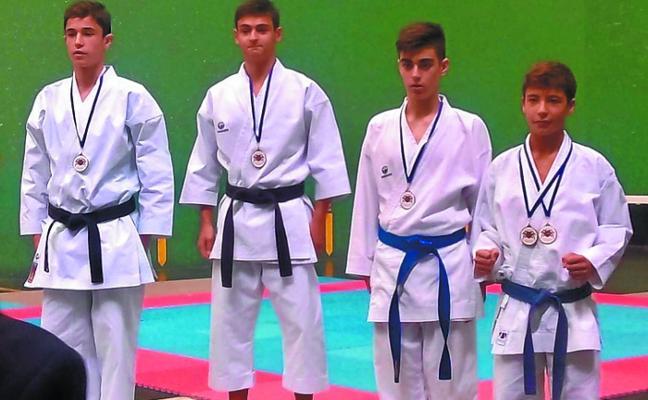 Cosecha de metales del club Saioa en el Campeonato de Gipuzkoa