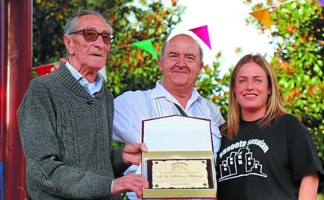 Homenaje a Herranz en Sasoeta