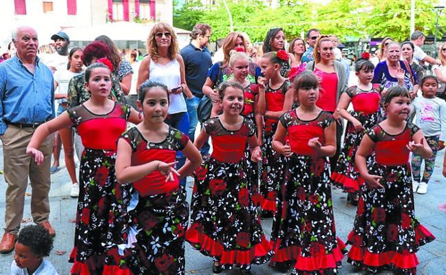 Los Primos a compás de Flamenkito cierran hoy la Semana de Semblante