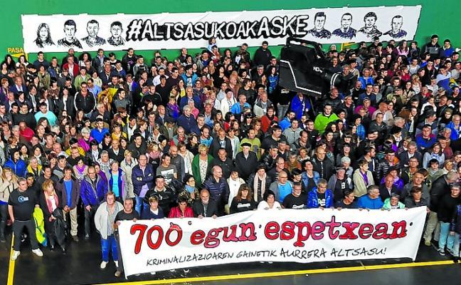 Los padres de los jóvenes de Alsasua denuncian el «juicio político» a sus hijos
