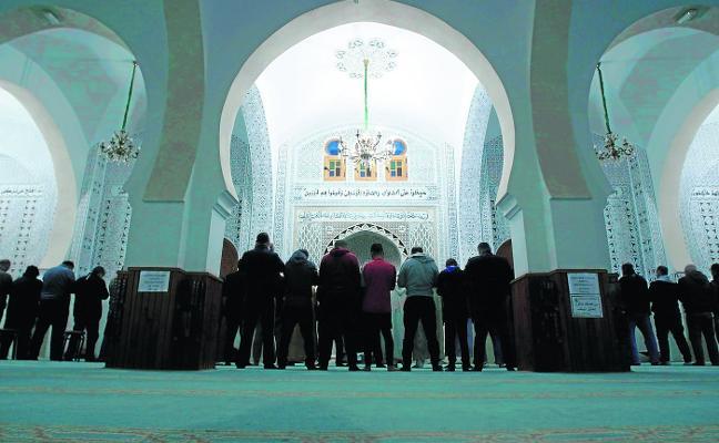 Iglesias y mezquitas